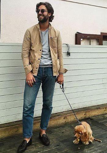 【秋】ベージュ色シャツジャケット×ジーンズ×ローファーの着こなし(メンズ) | Italy Web