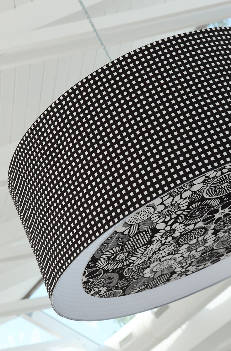 Maxi lampadario con dettagli in #floreale ^_^  Accendi la tua atmosfera con #Kumi http://ow.ly/SBLOZ