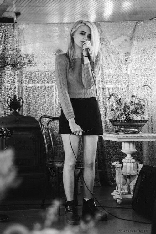 Sky Ferreira is actual perfection