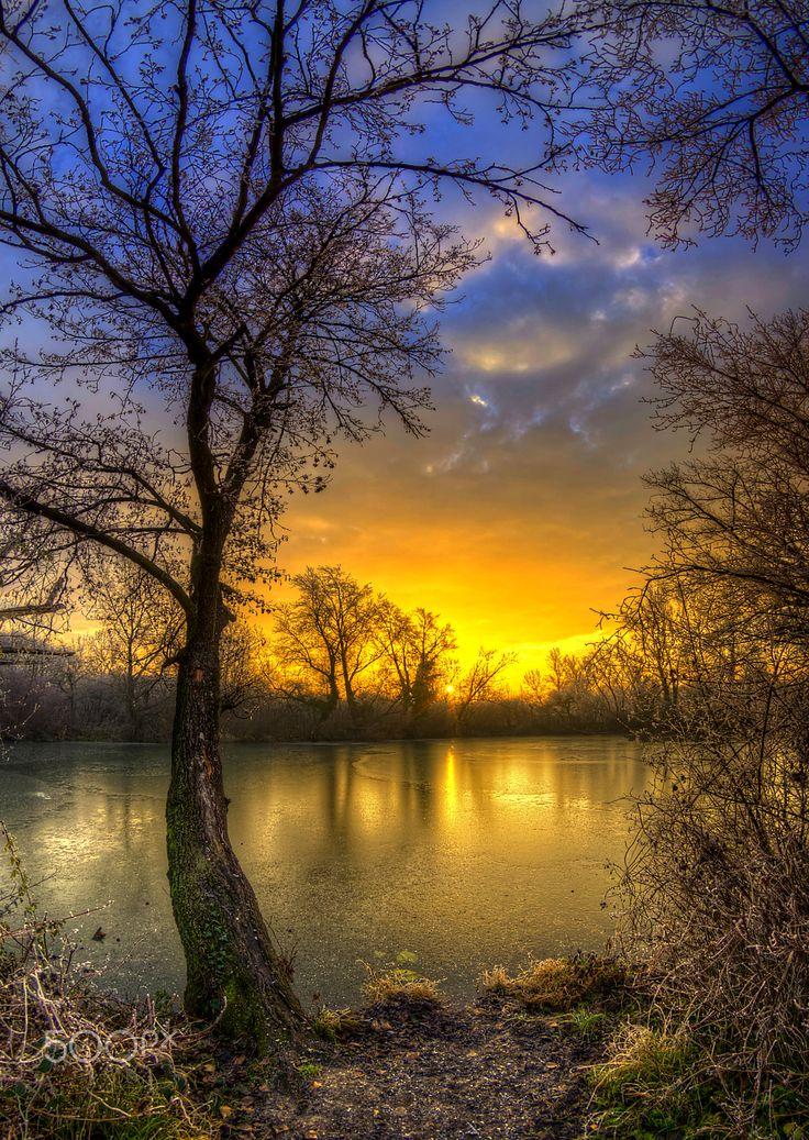 Dawn on frozen lake – By Boris Frkovic #500px #dawn #frozen #lake #golden #sunri…