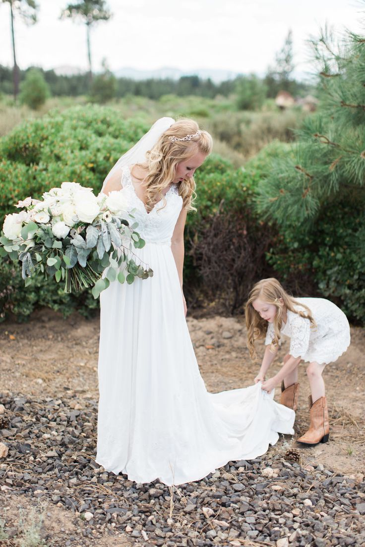 Amazing Whimsical Elegant Oregon Ranch Wedding