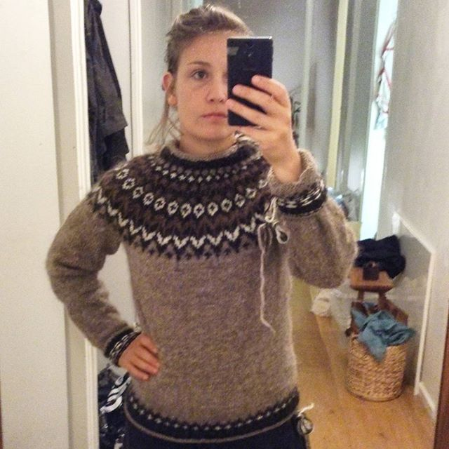 So, what happened with the #riddari sweater I knitted for my boyfriend this summer?  Turned out both me and the woman in the yarnshop largely misjudged the size of the man.. The fact that I hate swatching also played a part. Hence I got a new sweater! With too long arms.. And too high neckline.. But that one can fix. And the colours are rather nice. Now we just have to order yarn for a new lopapeysa. Phew. I'm not bitter, and the fact that we now are going to have matching sweaters doesn't…