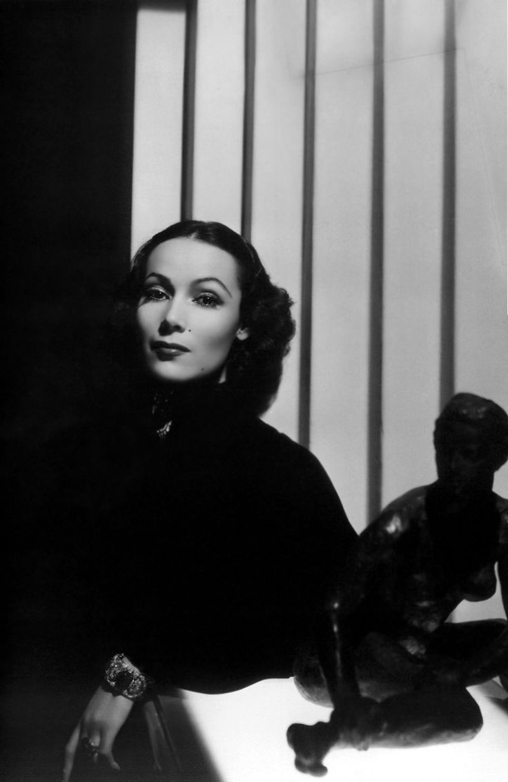 Enigmatic, elusive, unfathomable, I could go on... Dolores Del Rio in a fantastic shot by George Hurrell, 1937 as Güzel.
