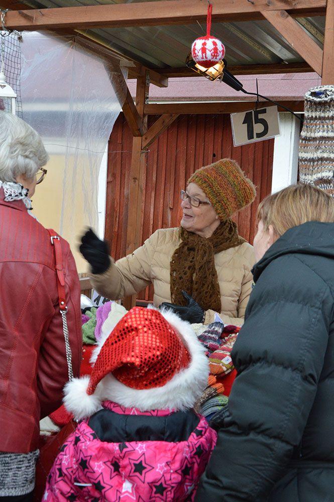 Entisajan joulumarkkinoilta löytyy ihasteltavaa kaiken ikäisille. Luuppi, Oulu (Finland)