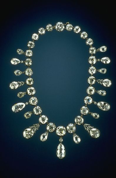 G5019 (Napoleon Diamond Necklace) was donated by Mrs. Marjorie Merriweather Post in 1962.