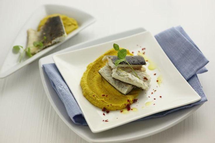Orata in vellutata di ceci e curry