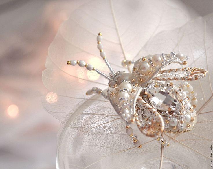 Купить Брошь - Жук - белый, украшение насекомые, уникальный подарок, подарок для нее, уникальное украшение