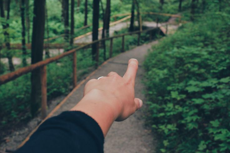 this way,germany,walk,hand