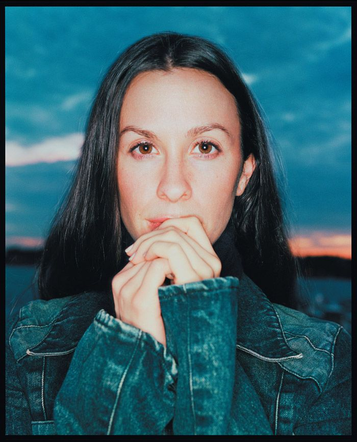 Alanis Morissette.   Singer & Songwriter.   You might remember Alanis from   #Longwood Elementary School   #William Henry Shaw HS  or  #The Print Shop       -------      http://www.imdb.com/name/nm0001551       http://www.okaloosa.k12.fl.us/longwood      http://shaw.muscogee.k12.ga.us      http://www.theprintshop.net       http://en.wikipedia.org      /wiki/alanis_morrisette