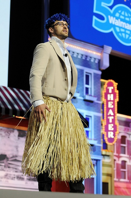 Justin Timberlake hosts the 2012 Walmart Shareholders' meeting.And recreates a famous moment in Walmart history - Sam Walton doing the hoola on Wall Street.
