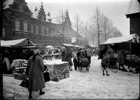 De Markt van Helmond in de winter.