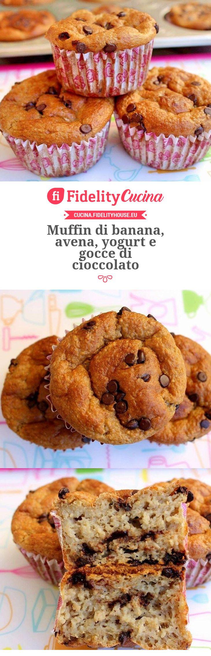 Muffin di banana, avena, yogurt e gocce di cioccolato