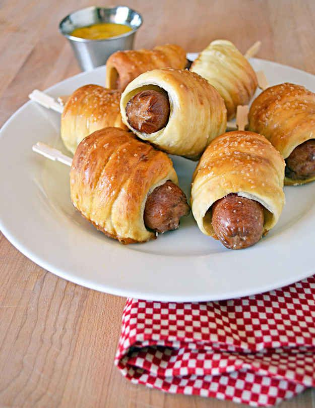 19 Audacious Ways To Make Pigs In A Blanket - CHECK, and yum!  Phil said these were the best pigs in a blanket he had ever had.