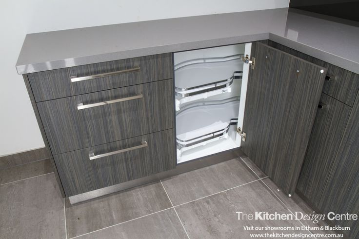An elegant holiday home completed with high-end finishes throughout. Featuring Caesarstone and Laminex. www.thekitchendesigncentre.com.au @thekitchen_designcentre