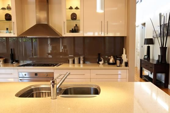 Discover an organized collection of beautiful kitchen design ideas, styles, and color schemes, with thousands of pictures of kitchens to inspire you.   Visit http://www.suomenlvis.fi