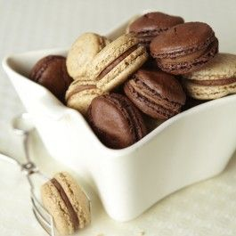 I'll be your #valentine if you bring me these delicious macarons!