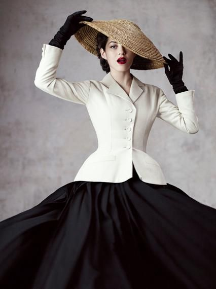 les 25 meilleures id es de la cat gorie femmes la mode des ann es 1940 sur pinterest ann es 40. Black Bedroom Furniture Sets. Home Design Ideas