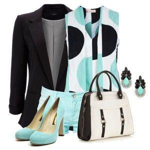 Голубые туфли, голубые шорты, туника. черный пиджак, черно-белая сумка. стильные украшения
