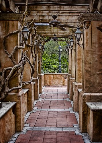 The Garden Path, Hollywood Tower Hotel, Tower of Terror, Disney Parks, Walt Disney World, Disney's Hollywood Studios