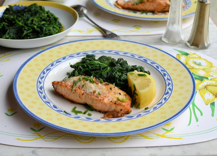 Fish on Friday: Parmesan & Chive Salmon with Garlic & Nutmeg Spinach Recipe = 295 calories for the complete meal!