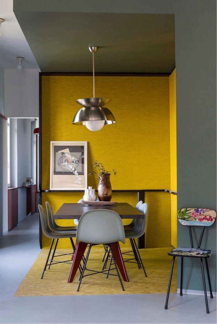Décoration intérieure / Salle à manger dining room / Mur jaune / Peinture murale / couleur coloré / Yellow / idée inspiration tendance