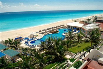 Golden Parnassus Resort & Spa All Inclusive, Cancun, Mexico.....cute small resort for an quick cheap get-away!