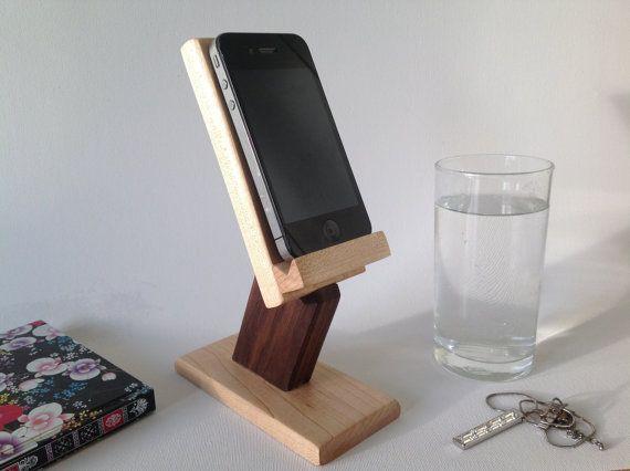 die besten 25 iphone holder ideen auf pinterest telefonstand dockingstation und handy halter. Black Bedroom Furniture Sets. Home Design Ideas