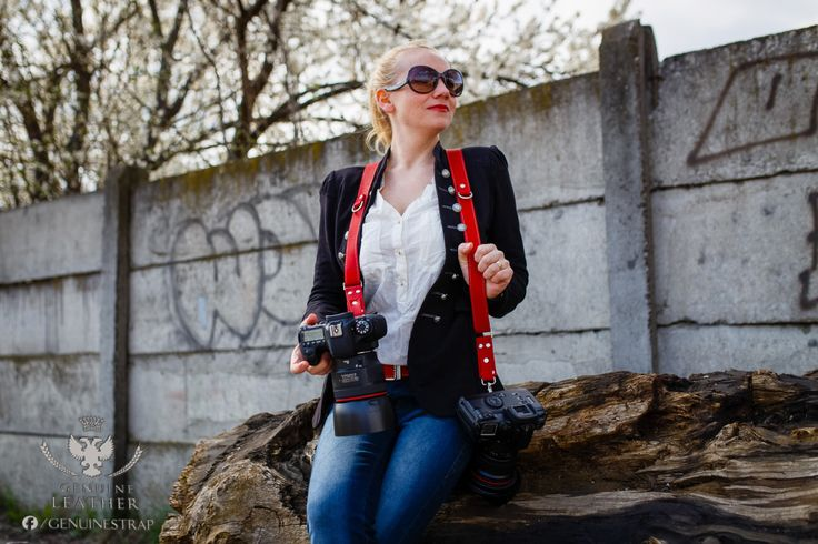 Women photographers are advantaged wearing leather straps for camera .https://genuinestrap.wordpress.com/dslr-strap-editions/red-campari/