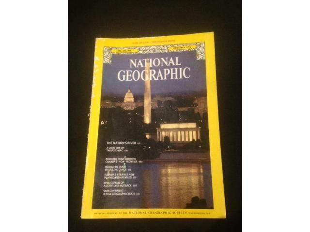 October 1976 - National Geographic magazine -Hawaii to Tahiti by sailing canoe -Opal capital of Australia's outback