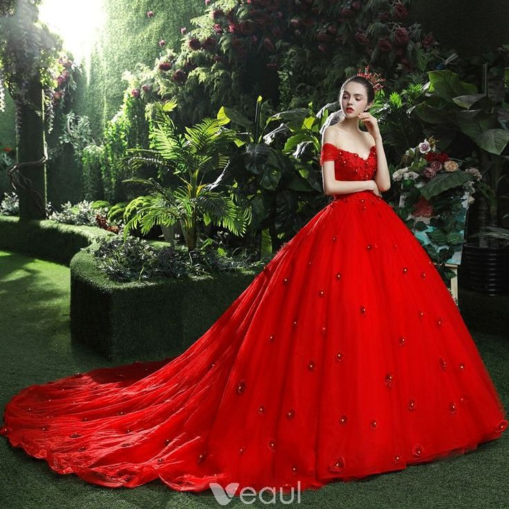 Chic / Beautiful Red Wedding Dresses 2018 Ball Gown Appliques Beading Rhinestone V-Neck Backless Sleeveless Royal Train Wedding
