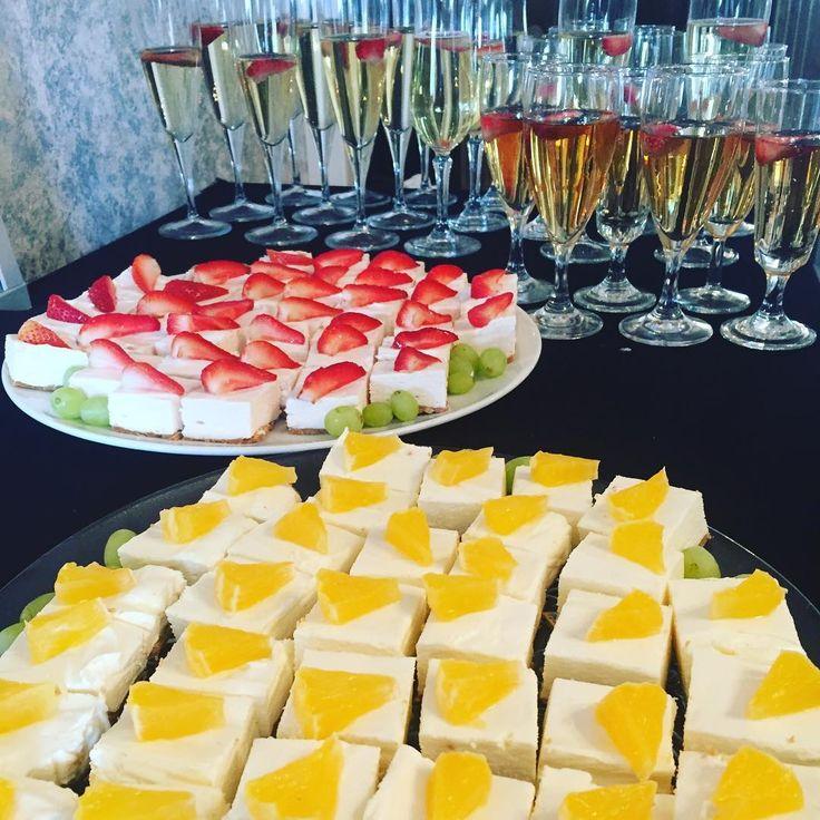 Eilisen meikki-illan herkkuja ������ #kiitos #asiakasilta #customer #event #makeup #evening #veganmakeup #hello #thursday #entrepreneur #entrepreneurship #entrepreneurlife #customercare #beautician #beauty #wellness #lahti #hieronta #kauneushoitola #cosmetology #strawberry #orange #cheesecake #silkoilofmorocco #desserttime http://tipsrazzi.com/ipost/1512167401469471504/?code=BT8TD1lg2sQ