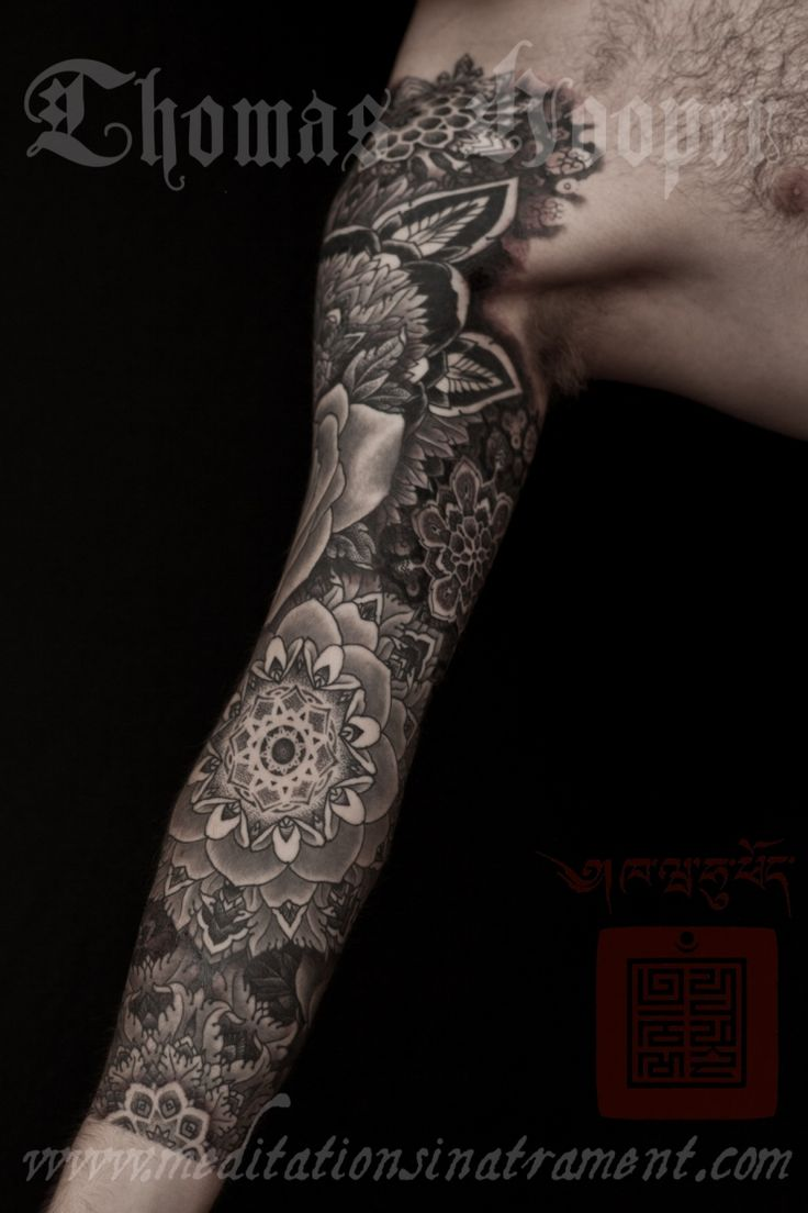 love this black and white tattoo sleeve