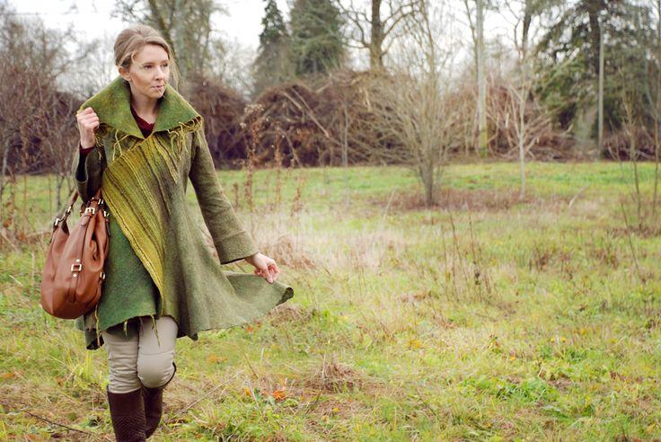 Это легкое зеленое пальтишко было выполнено мной в технике валяния шерсти на МК Алены Селезневой в Таллинне. Оно теплое, легкое и очень уютное. Light coat, made in the technique of felting. Merino wool.