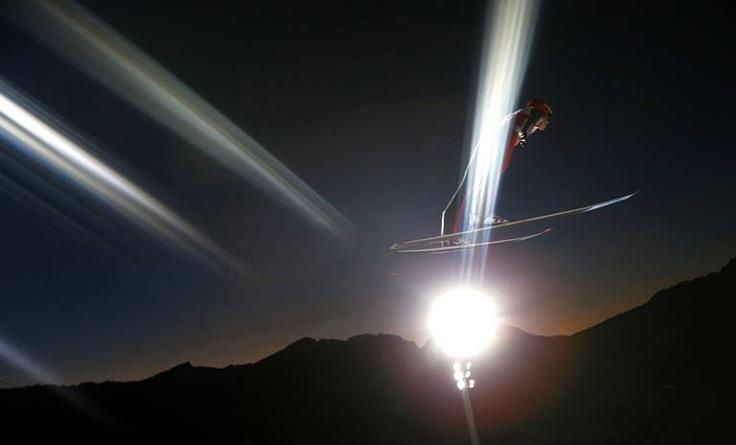 L'Allemand Andreas Wellinger lors d'une compétition de saut à ski àOberstdorf, dans le Sud de l'Allemagne, le 29 décembre.