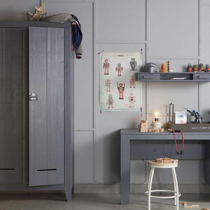 Grauer Schrank im dänischen Design - online bei milanari.com