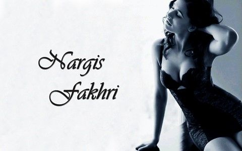 nargis fakhri Sexy Pose Wallpapers