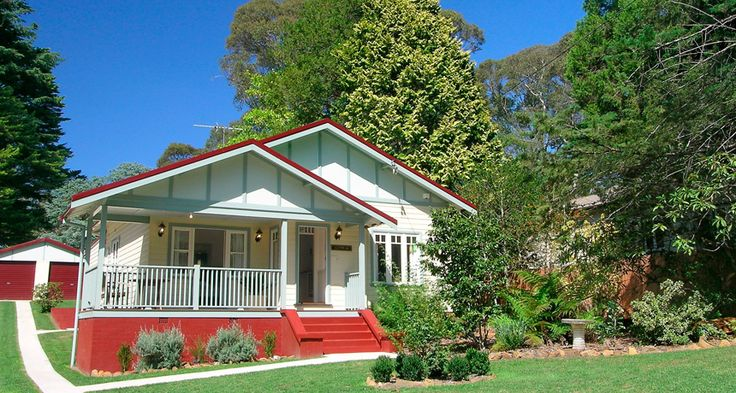 Summertime at Brantwood Cottage Blue Mountains Accommodation in Blackheath NSW