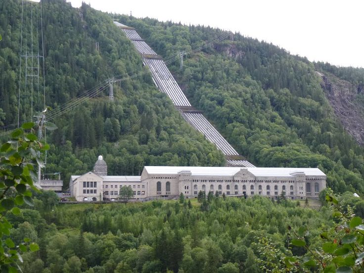 The Vemork hydroelectric plant in Rjukan . The first plant in the world to mass-produce heavy water.