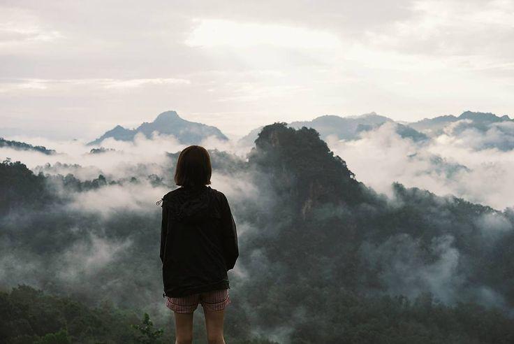 "6,166 Suka, 9 Komentar - เด็กหญิงพลอยไพลิน (@pigkaploy) di Instagram: ""เช้านี้ที่สดใส #พลอยเที่ยวทั่วไทยไปไกลทั่วโลก"""