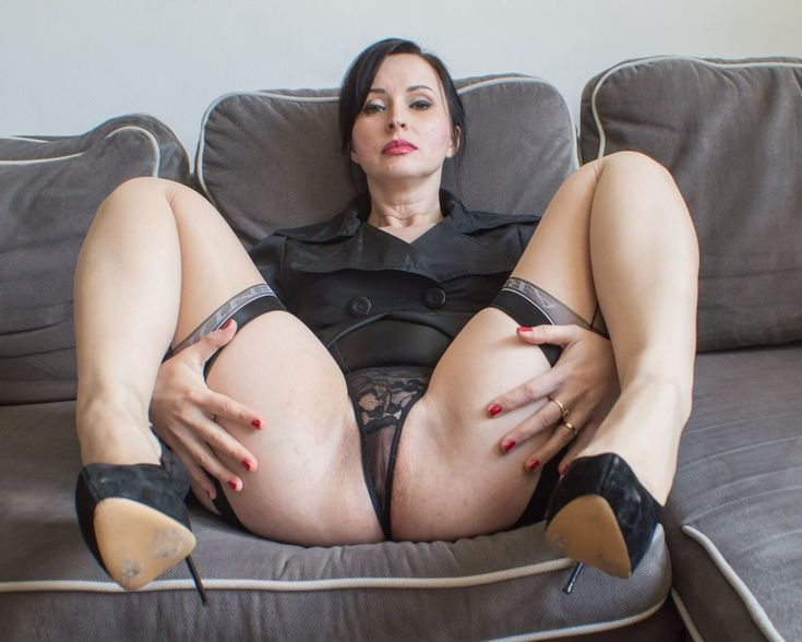 Mature german legs wide open