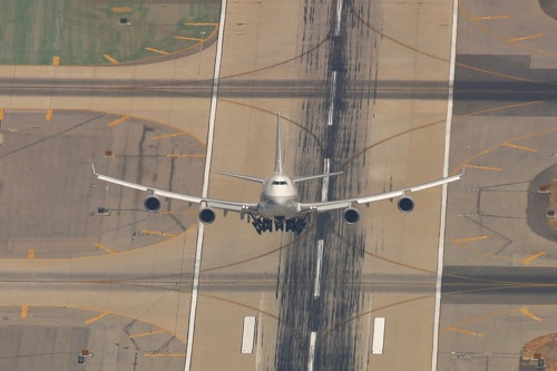 """""""wh-aviation:  A Boeing 747 taking of at LAX not sure what is going on…….   """""""