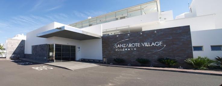 Panorámica del Hotel 4* Lanzarote Village en Puerto del Carmen, Lanzarote.  Proyecto de rehabilitación turística y aumento de categoría. Año 2009.