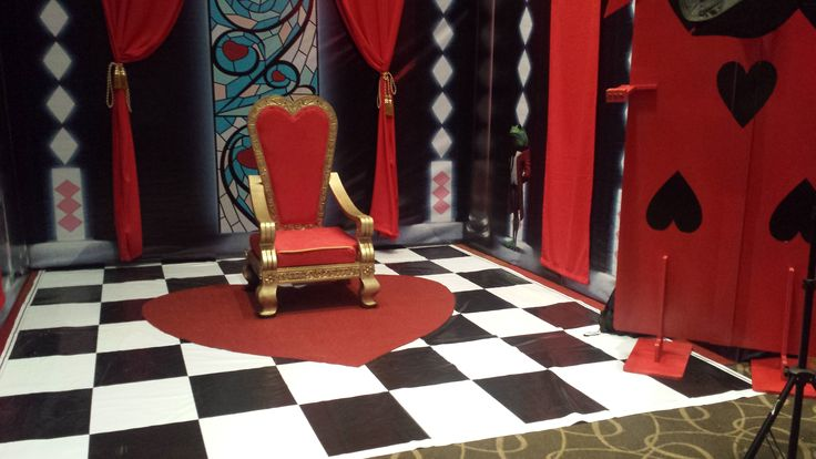 Sillon reyna de corazones , queen of hearts renta