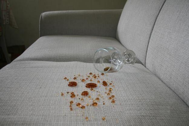 IMPERMEABILIZAÇÃO DE SOFÁS  Dicas sobre impermeabilização de estofados:  http://www.casabelainteriores.com/2013/08/impermeabilizacao-de-sofas.html