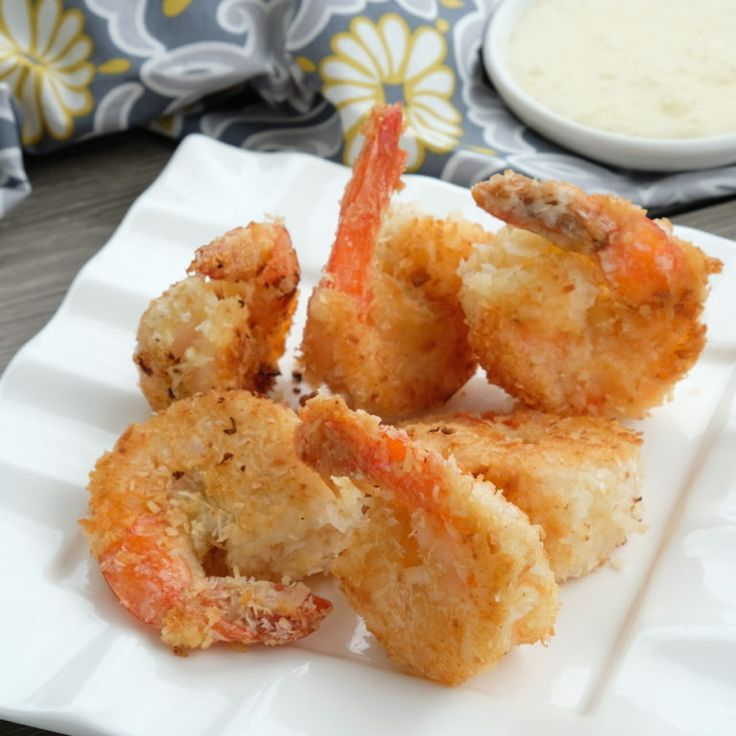 Coconut Shrimp with Pina Colada Sauce | healthy shrimp recipes | coconut shrimp recipes | pina colada flavored recipes | homemade shrimp recipes | how to make coconut shrimp | healthy seafood recipes | healthy sauce recipes || Whole Sisters