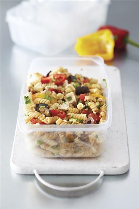 Βίδες με ψητά λαχανικά και φέτα