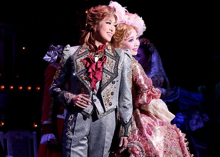 ギャラリー | 星組公演 『こうもり』『THE ENTERTAINER!』 | 宝塚歌劇公式ホームページ