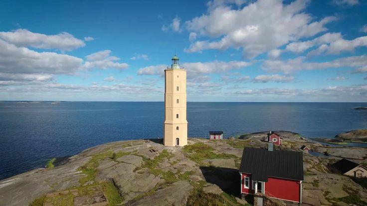 #Lighthouse - Yksinäisillä luodoilla tai tuulisilla saarilla jylhinä seisovat majakat huokuvat entisaikojen tunnelmaa. Ilta-Sanomat selvittää nyt, mikä niistä on suomalaisten mielestä Suomen kaunein.    http://dennisharper.lnf.com/