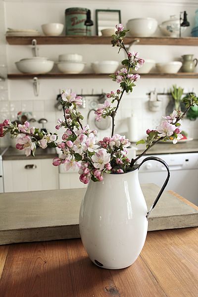♥Vintage House, Cherries Blossoms, Open Shelves, Vintage Enamelware, Apples, Fresh Flower, Enamels Ware, Branches, White Kitchens