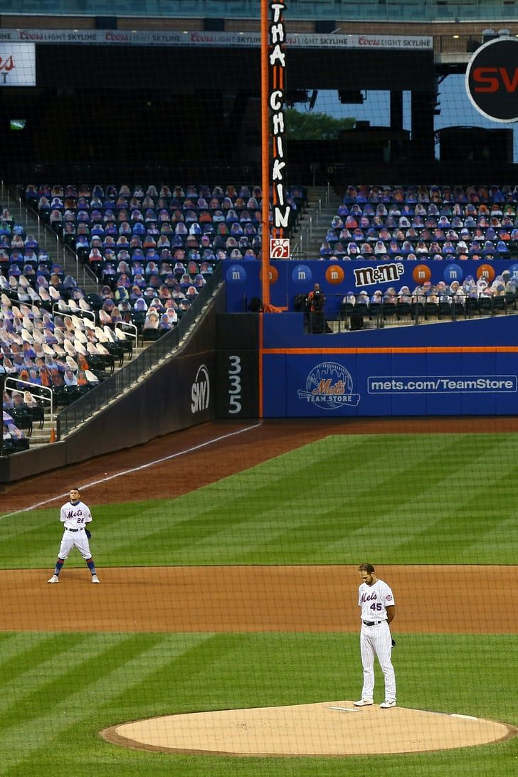 Watch The Powerful Message That The Mets And Marlins Sent As Tribute To Blm And Jackie Robinson In 2020 Mets Jackie Robinson Marlins